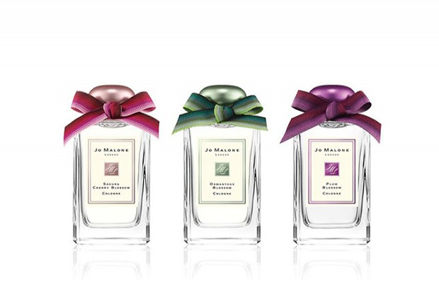 BLUE SKIES AND BLOSSOM COLLECTION<br /> BY JO MALONE <br /> <br /> TESEM: Aluminium cap<br /> <br /> Jo Malone has launched a new collection of three floral fragrances for the coming summer.<br /> TESEM manufactured and anodized the aluminium caps. The characteristic shape of caps for Jo Malone fragrances requires a complex manufacturing process.<br /> The collection comes in three different colours and the cap is anodized in purple, green and pink.<br /> <br /> 2015<br />