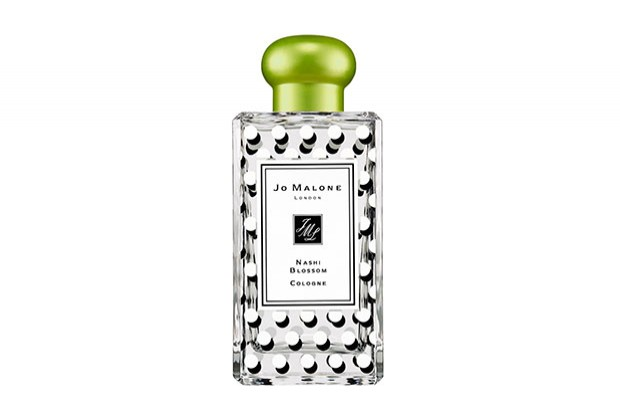 NASHI BLOSSOM COLOGNE<br /> BY JO MALONE<br /> <br /> TESEM: Aluminium cap, aluminium collar<br /> <br /> The new summer 2016 limited edition cologne by Jo Malone comes in the traditional 100ml. bottles with the iconical cap in lemon&mint green.  TESEM has manufactured the aluminium cap with a very particular shape wich has required a complex manufacturing process.<br /> <br /> EDT 200ml.<br /> 2016